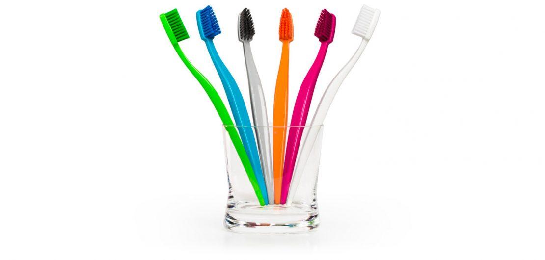 Die in Deutschland erfundene und hergestellte Zahnbürste Biobrush zeigt der Ressourcenverschwendung die Zähne.