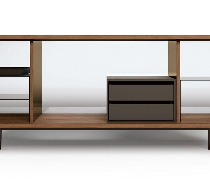 Das im Bauhaus-Jubiläumsjahr neu vorgestellte Sideboard The Farns von Walter Knoll geht weit über eine Hommage an Ludwig Mies van der Rohe und sein Farnsworth House hinaus