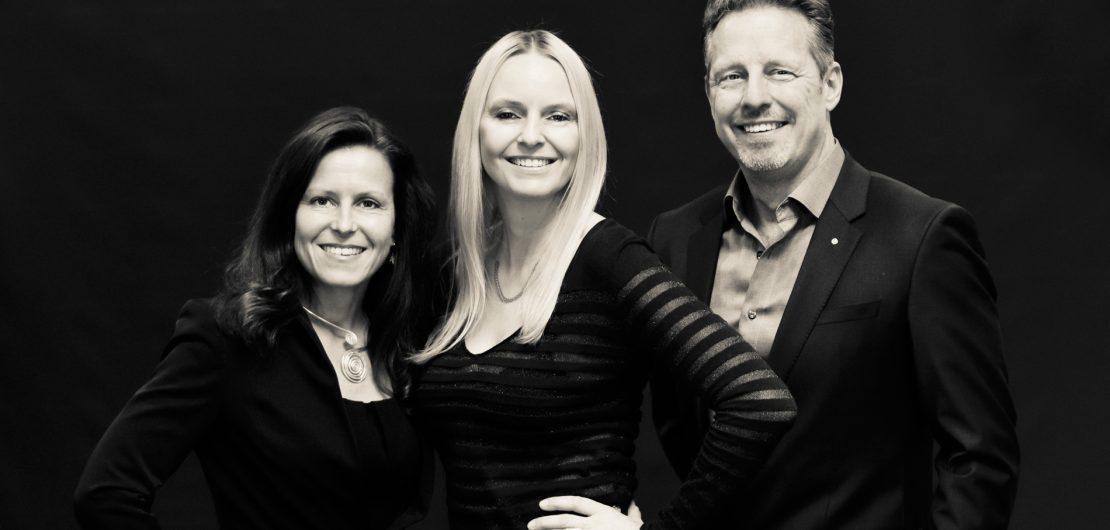 Wir sprachen mit Sandra Jörg (Bildmitte), CEO bei Blackpin, einer Firma für verschlüsselte mobile Kommunikation, über Application Design, Designprozesse und Kreativität