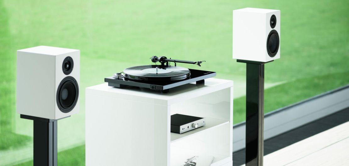 """Als audiophiler """"Best Buy""""-Plattenspieler mit großem Klang zum kleinen Preis, bietet der Pro-Ject Essential III alles, was sich Nutzer nur wünschen können."""