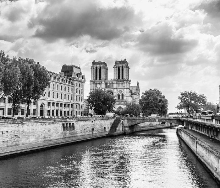 Der Brand der Kathedrale Notre-Dame de Paris ist ein Sinnbild dafür, dass Selbstverständliches jederzeit verloren gehen kann, wenn wir nicht wachsam sind.