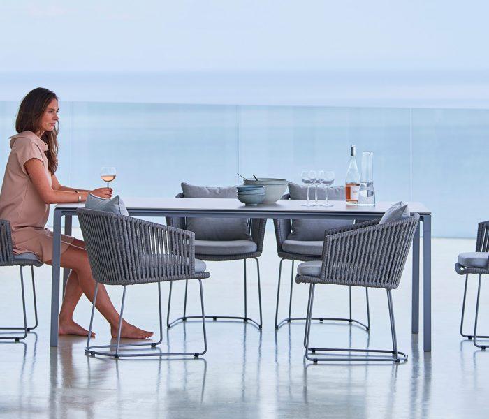 Moments – die Möbel mit dem programmatischen Namen sind wie geschaffen für die wertvollsten Augenblicke – Zeit die wir mit Familie und Freunden verbringen.