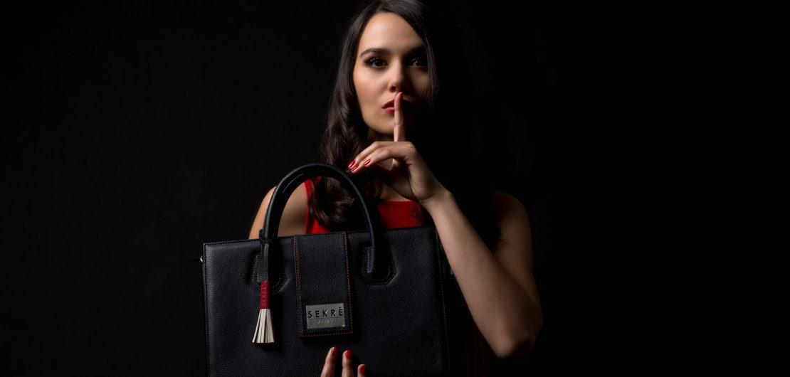 Schöpferische Zerstörung: Der Begriff passt zum Konzept der Marke Sekrè, die mit ihrer Mystery Bag den Markt für Luxus-Handtaschen zu revolutionieren sucht.