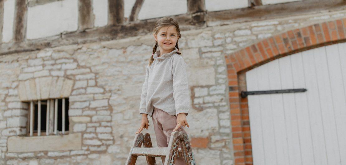 Mit der Gründung ihres eigenen Labels für hochwertige, nachhaltige und faire Kindermode namens Leevje erfüllten sich David und Anna-Marie 2018 einen Traum.