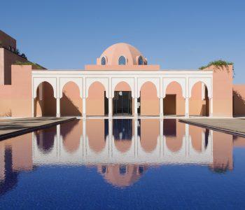 Das Oberoi Marrakech überzeugt mit majestätischer Architektur und paradiesischen Gärten. Das Designjuwel ist die perfekte Wahl für anspruchsvolle Reisende.