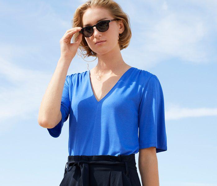 Wer glaubt, fair produzierte Mode sei eine neuere Entwicklung, kennt LANA nicht. Bereits seit 1987 setzt das Aachener Label auf Nachhaltigkeit.