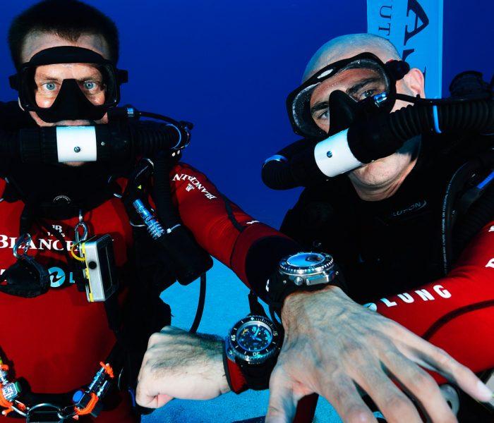 In den Highlands mag es nur einen geben, die Unterwasserwelt beherrscht ein Duopol aus zwei berühmten Taucheruhren. Eine davon ist die Blancpain Fifty Fathoms.