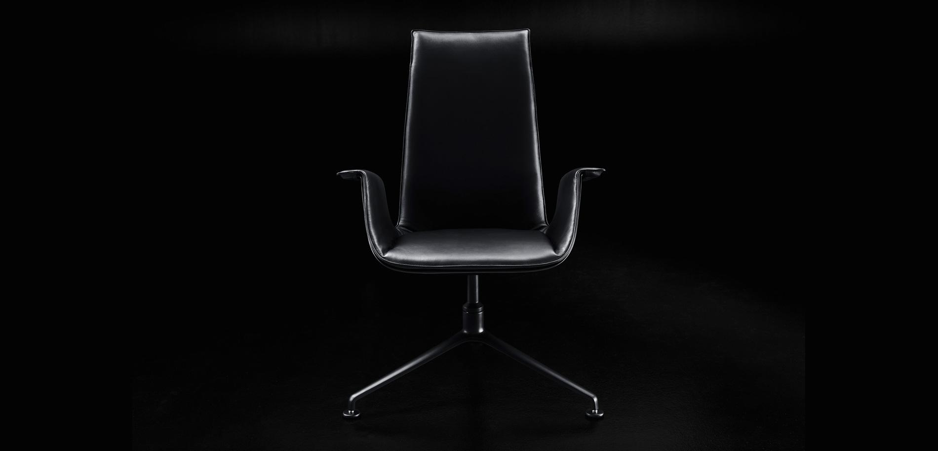 FK Chair von Walter Knoll in der Black Edition.