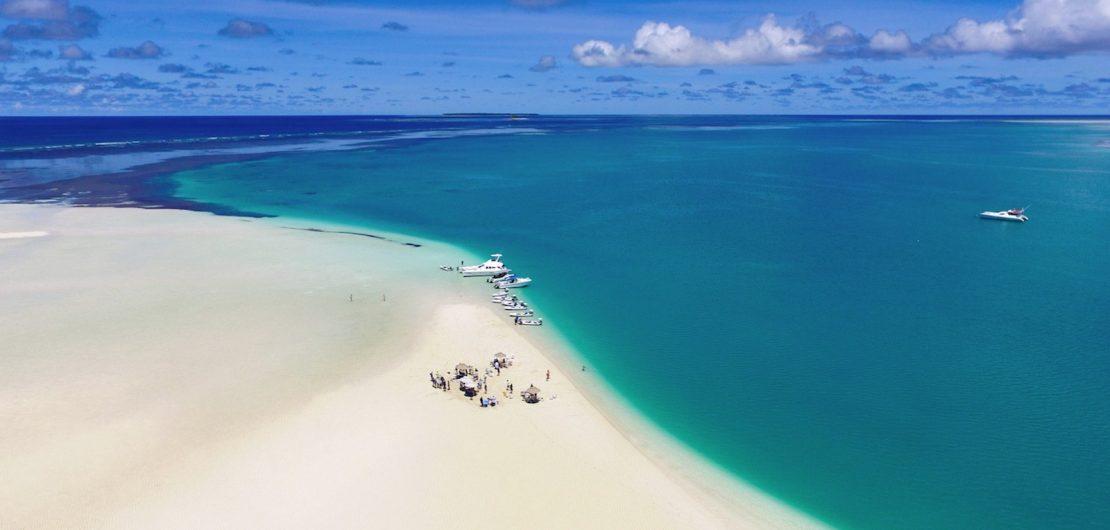 Im Bildband Indian Ocean präsentiert Weltenbummler Stefan Loiperdinger die schönsten Inseln und Resorts. Das Foto stammt von der Alphonse-Inselgruppe, die zur Republik der Seychellen gehört. Quelle: Indianocean.de