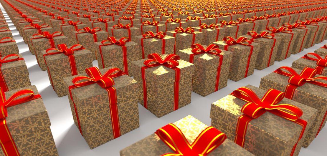 Auch dieses Weihnachtsfest verspricht jede Menge CO2 zu produzieren und Müllberge zu hinterlassen. Gedanken zum Sinn und Unsinn von Schenken und Verpacken. Symbolbild: Geschenkflut
