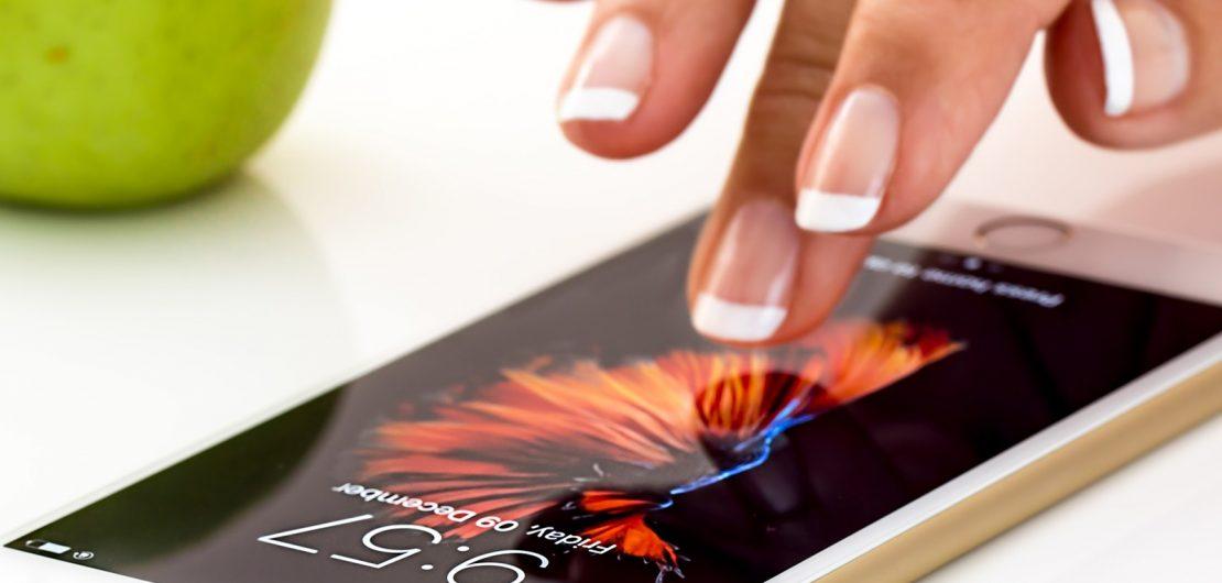 Smartphone-Nutzung; Symbolbild zum RGBMAG-Artikel von Martin Ostermeier: Schöne neue Mobilfunkwelt: 5G für Verbraucher