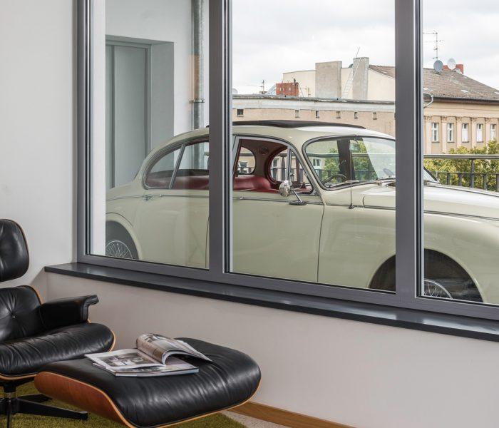 Ein Hotel, bei dem man im Auto fast bis ins Zimmer fahren kann – der Albtraum aller Klimaschützer? In Düsseldorf entsteht das erste Haus von b'mine hotels.