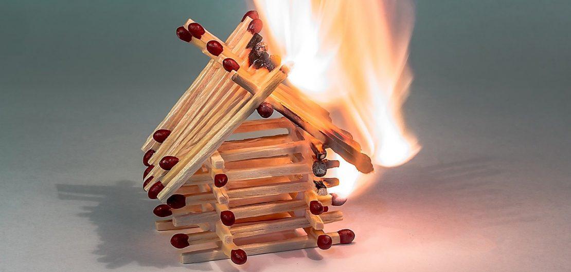 Bei einem Entstehungsbrand zählt jede Sekunde, damit aus einer kleinen Ursache keine Katastrophe wird. Wie aber bereitet man sich auf das Unerwartete vor?